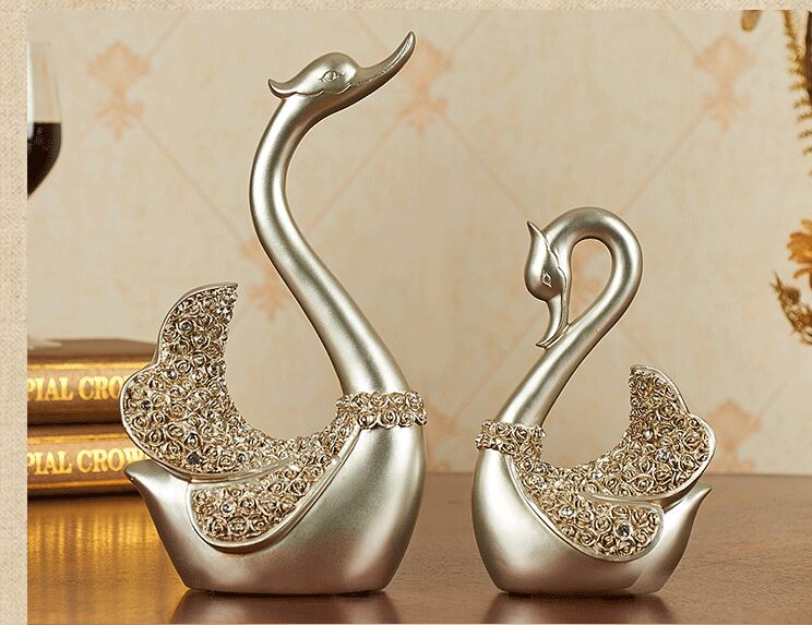 Environmental Resin Europe Style Silver Swans Artcraft Ornaments,one Lot/2  Pieces,furnishings