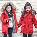 2016 Niños prendas de Vestir Exteriores de color rojo Sólido de los Bebés Abrigos Chaqueta Gruesa Caliente Invierno de Los Niños outwear Niños Ropa Niñas Parkas