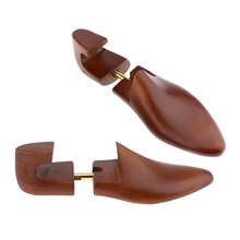 Phenovo 1 Pair Men Practical Flexible Former Stretcher Cedar Wood Shoe Trees