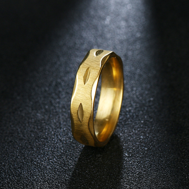 Yangqi Korea Style Simple Engraved Stainless Steel Wedding Band