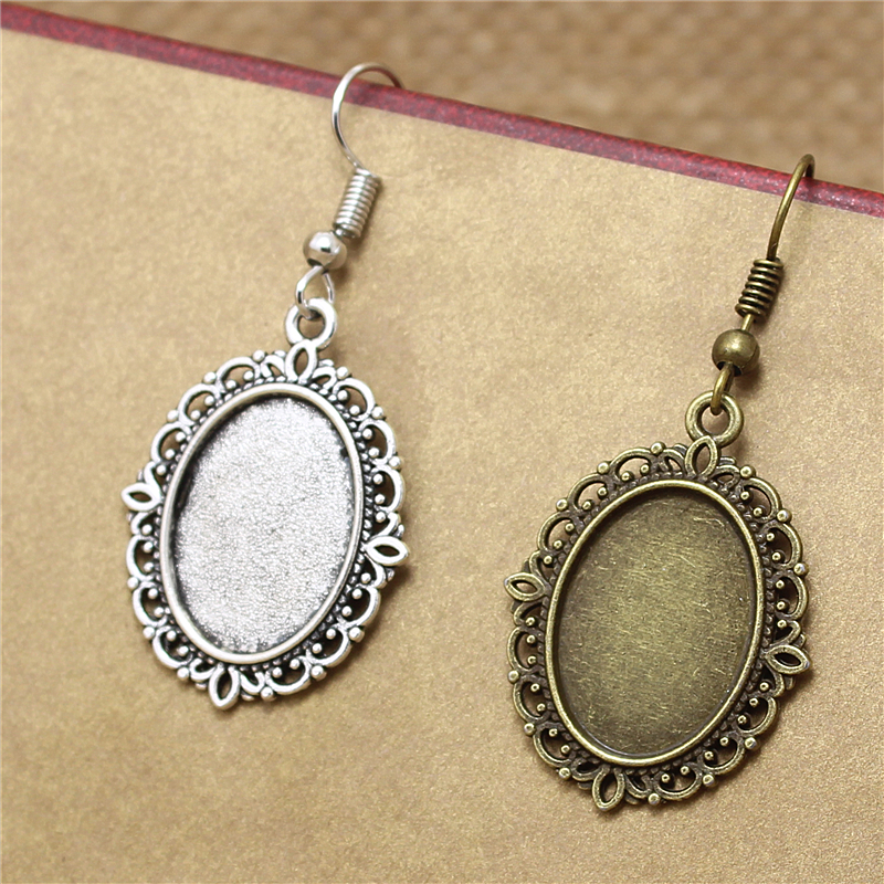 """Pack of 15 Vintage Bronze Lace Pendants Engraved Letter /""""A/"""" Charms 32x23 MM"""