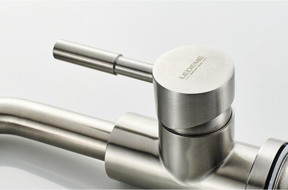 L1098-4_08