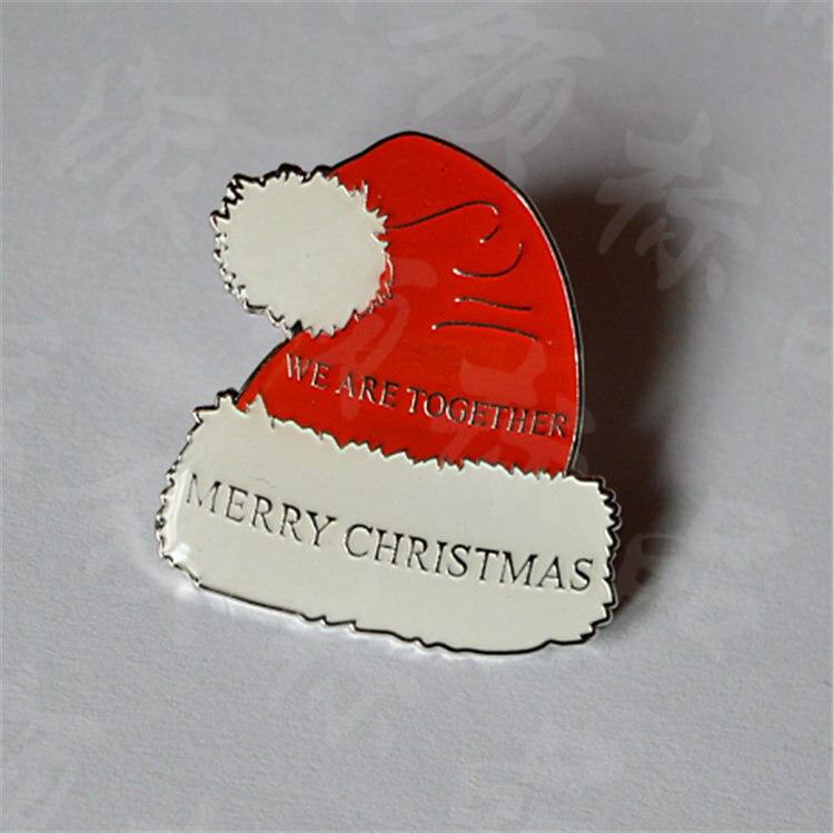 Hot prodej vánoční čepice odznaky pro suvenýr, které máme 100 kusů v obchodě