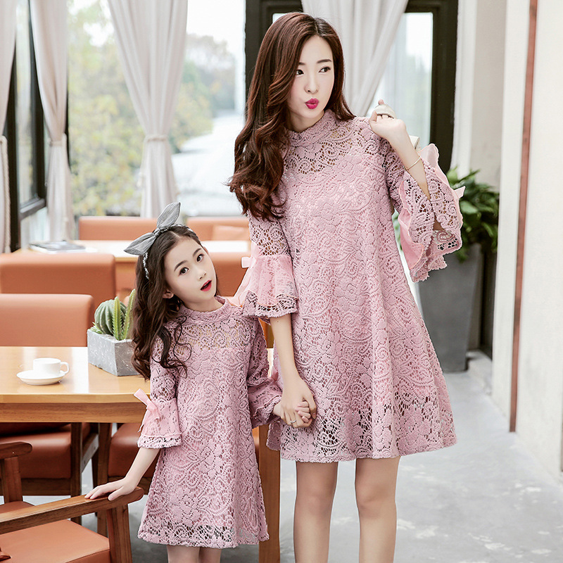 Matching mother daughter dresses for girls White Pink Lace dress Flare Sleeve Vestidos Plus Size Beach Dresses family clothing plus size bell sleeve mini lace dress with flounce hem