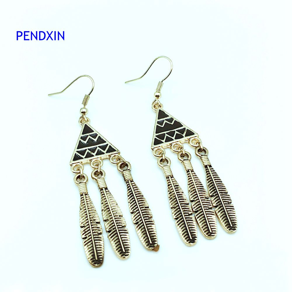 The New Triangle Black Pendant Leaves Drop The Female Punk Gold Earrings  And Simple Design Fashion