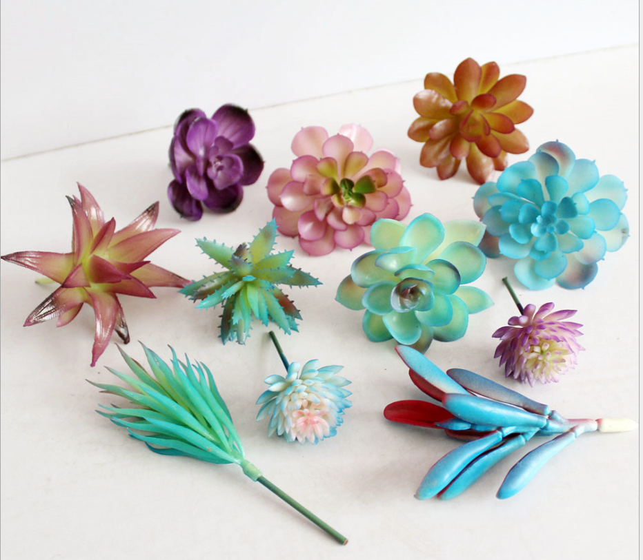 A blue flower simulation of succulents. Artificial flowers floral balcony garden decoration accessories creative DIY