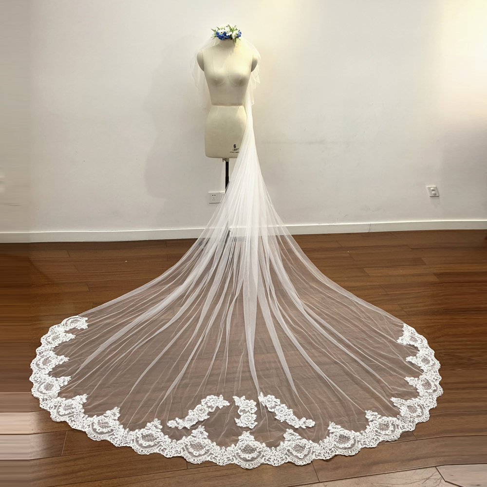 2019 New 3 Meters Long Wedding Veil Bridal Veils White Ivory Lace Edge With Comb Wedding Accessories Veil Soiree Real Picture