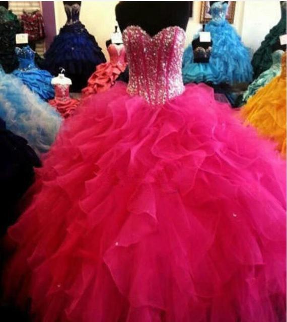 Vestidos de 15 Años curto Ball Vestido Rosa Quente Quinceanera Vestidos Sweetheart Organza Ruffles Chão Partido Brithday Doce