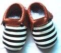30 estilos nuevos diseños de rayas de los bebés zapatos de Bebé de Cuero Genuino Mocasines Zapatos de Niña Borla Bebe suavemente único niño calzado