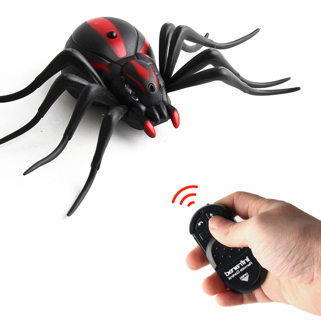 Hot RC Toy Animals Novelty Gags Remote Control Ants Cockroaches Spiders Crawling Insect Halloween Horror Practical Jokes RC Toys