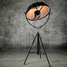 Pallucco Fortuny Stehleuchte Klassiker Design Fotografie Licht Einstellbar Satelliten Form Fotostudio Wohnzimmer