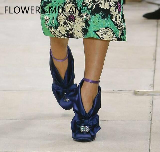 Новое поступление атласная бабочка узел высокие каблуки круглый носок Для женщин Свадебная вечеринка Туфли под платье взлетно посадочной