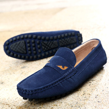 цена на 2019 Fashion Men's Loafers Slip On Casual Men Shoes Man Driving Shoes Summer Breathable Flats Shoes Soft Suede Leather Moccasins