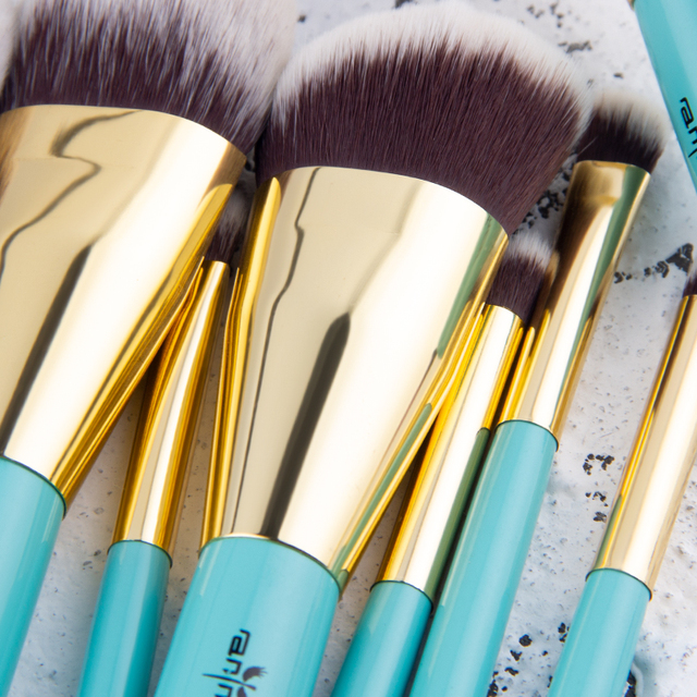 Fashion Cosmetic Soft Brushes