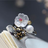 S925 silver jewelry fashion Hand set with natural crystal petals silver ring fashion 925 sterling silver pearl ring