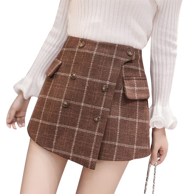Vintage England Style Winter Shorts Women 2019 Autumn Thicken Woolen Plaid Shorts Skirts Buttons Pockets Irregular Booty Shorts