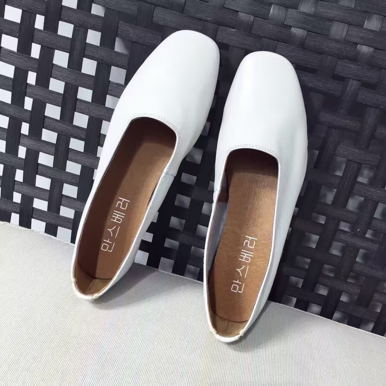 ФОТО Genuin Leather Women Flats Square Toe Flat Shoes Shallow Mouth Soft Leather Loafers Women Casual Shoes White Zapatos Mujer