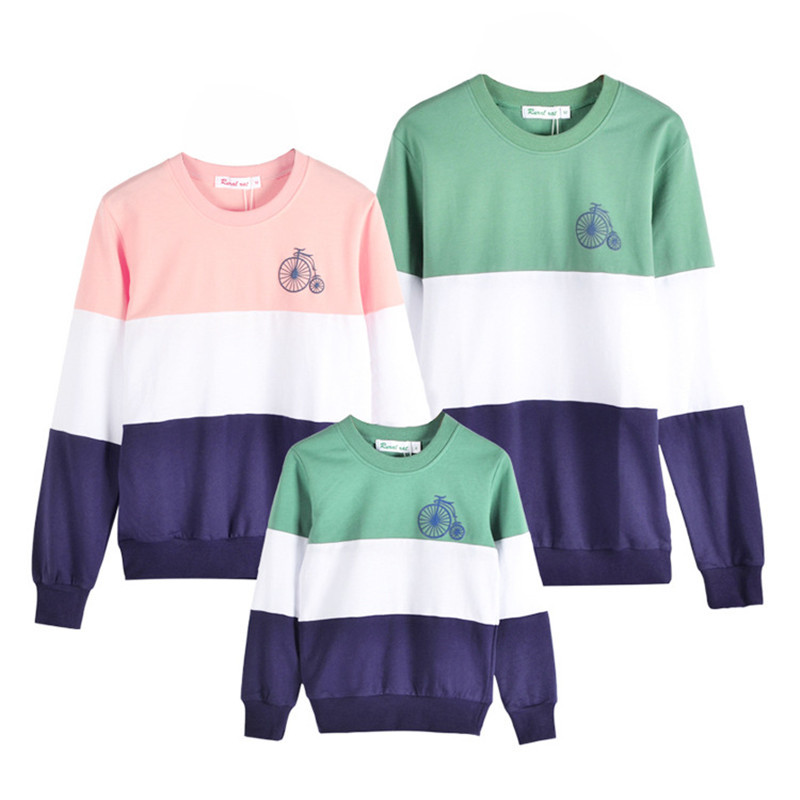 82d6ff9d6e Family Look 2017 Mommy and Me Clothes Fashion Mother Father Baby Cotton  Embroidery Cartoon bikes Family Matching Outfits