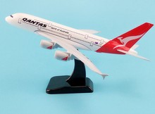20cm Metal Airplane Model Air Qantas Spirit Of Australia Airlines Airbus 380 A380 Airways Plane Model W Stand Aircraft Gift new product phoenix 1 400 11347 saudi airways a330 300 hz aqe alloy aircraft model collection model holiday gifts