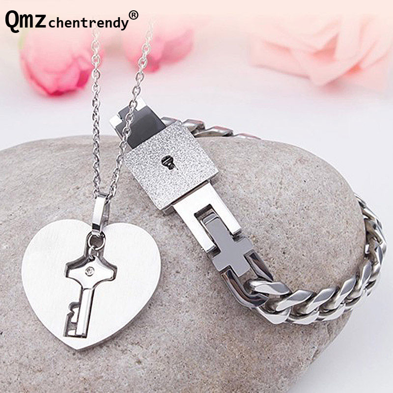 A Pair Lover's Couples Stainless Steel Heart Key Pendants Necklaces Concentric Lock Bracelets Bangle For Women Men Jewelry Set