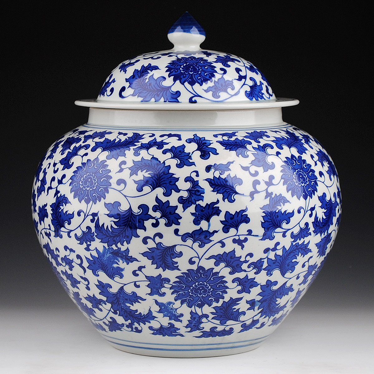 Hongxuan blue and white porcelain lotus general tank storage tank jar jar with cover porcelain altar pickled cabbage