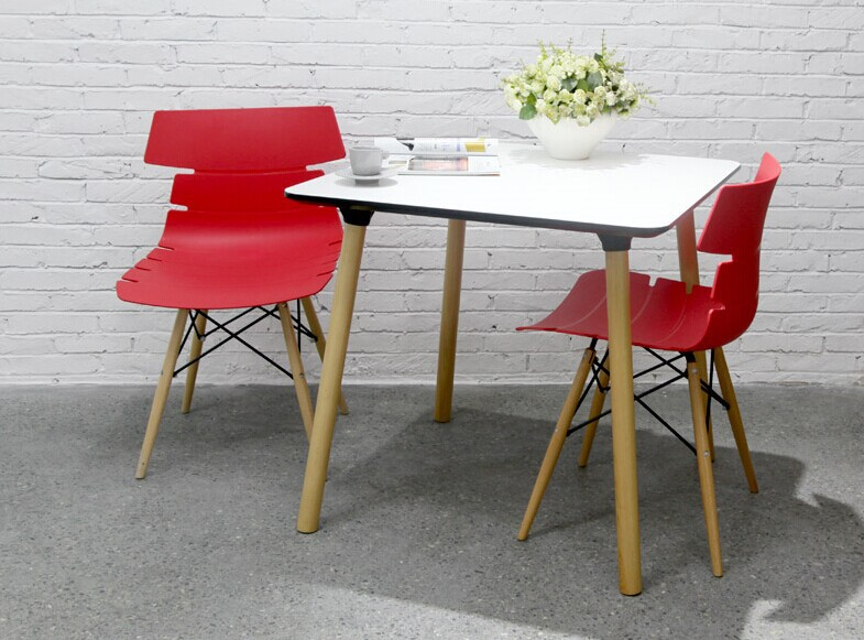 Kleding houten plastic stoel wit blauw eetkamerstoel