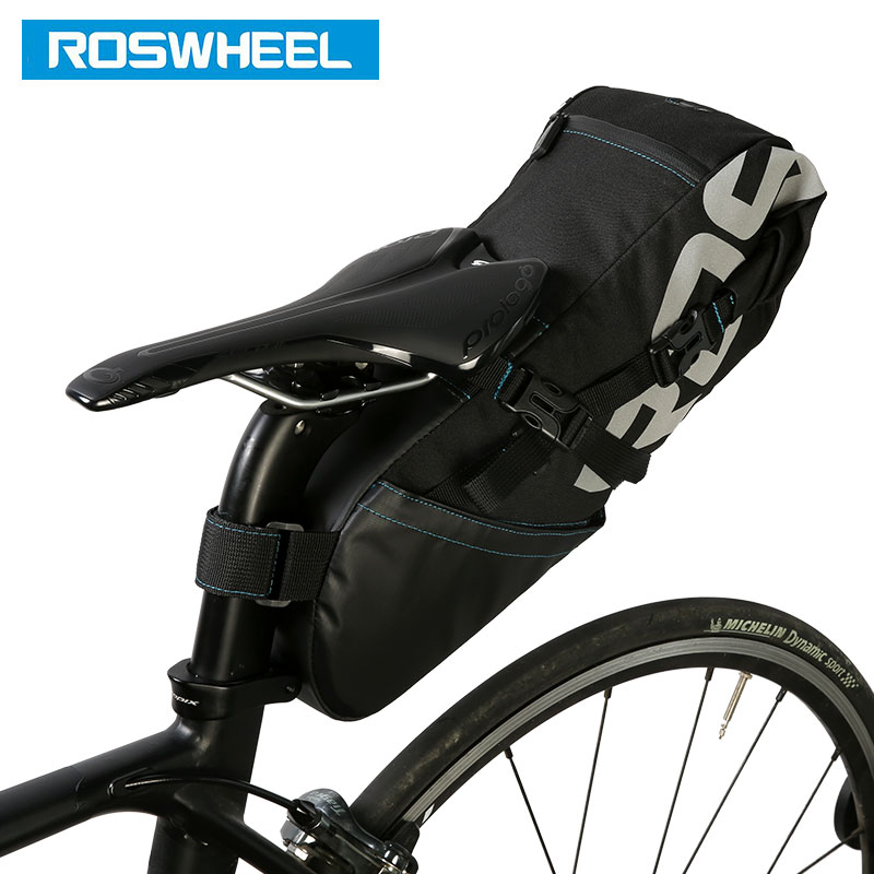 цена на ROSWHEEL Bicycle Tail Bag Wrap-up Closure Volume Extendable 8L10L Seat Post Storage Pack MTB Road Bike Pannier Pouch 131414