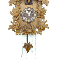 Free shipping Supply cuckoo clock The cuckoo clocks Wooden clock relating to the time Manual sculpture timepieces YC031