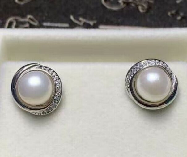 new design a pair of natural Akoya white pearl silver earrings