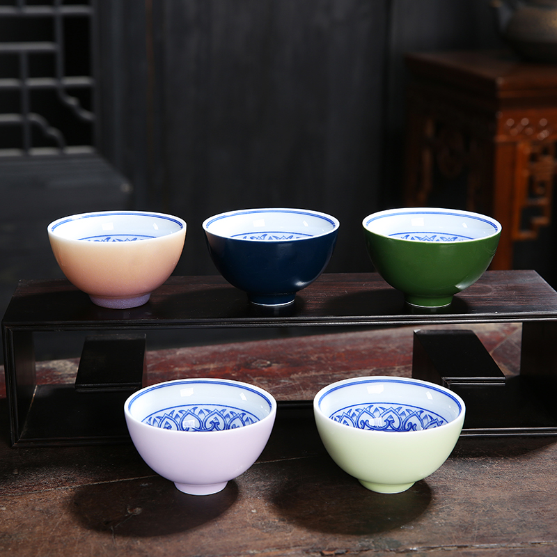 China Dehua Blue and White Porcelain Teacup Hmade Kung Fu Cup High Temperature Glaze  Crafts