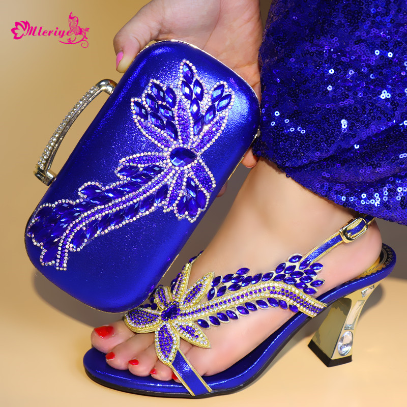 все цены на blue color New Italian Shoes with Matching Bags 2018 African Women Wedding Shoes and Bag Set with Rhinestone Womens Dress Shoes