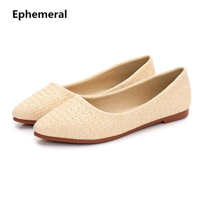 a5a9ec3615 US $20.46 11% OFF|Feminino tenis weaving flat shoes pointed toe TPR sole  soft Dancing slip ons plus size 17 3 black blue for wide foot Ephemeral-in  ...