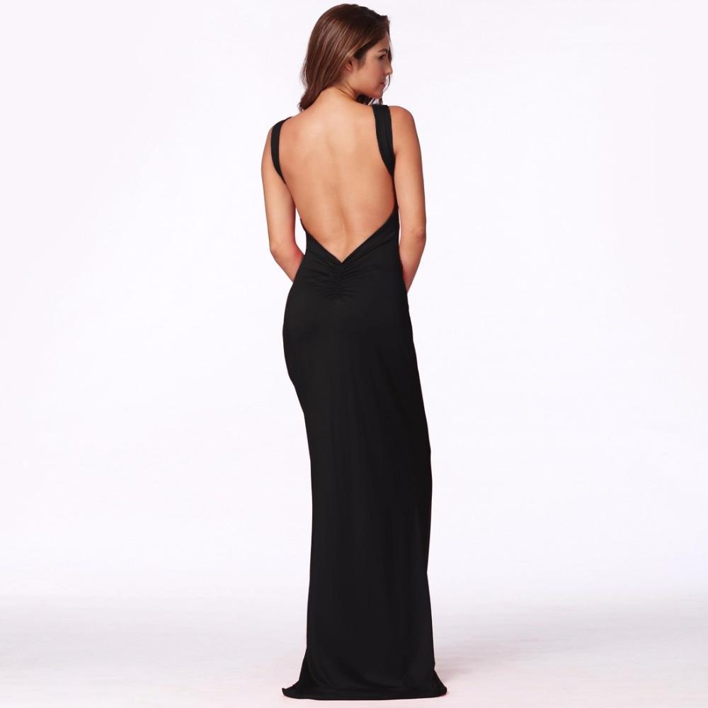 Черное платье с голой спиной подруга