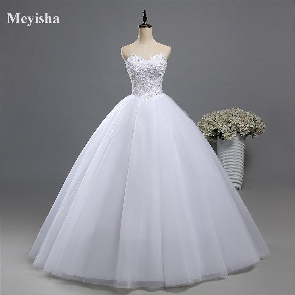 Robe de mariée en perles pour l'ét ...