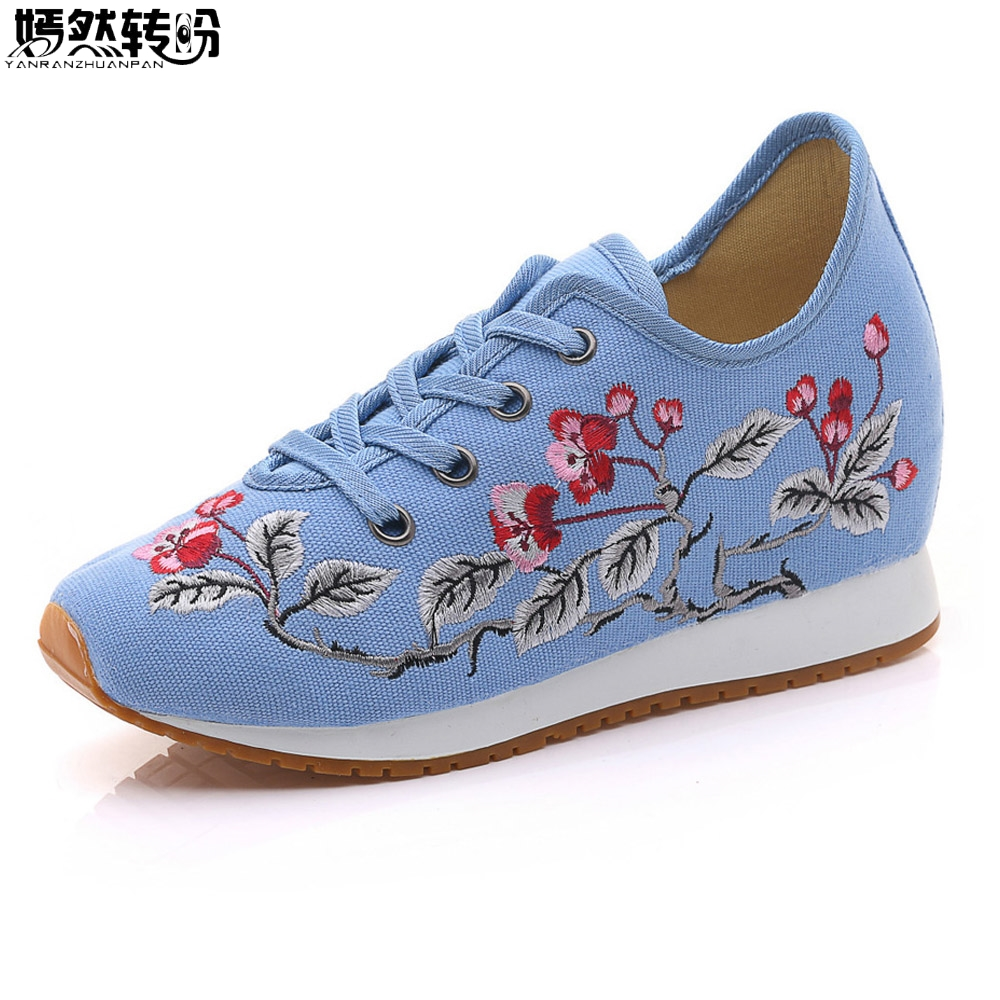 2017 Autumn New Vintage Women Shoes Chinese Old BeiJing Tourism Embroidered Floral Single Flats Lace Up Canvas Shoes Woman new chinese women flats old beijing cloth embroidery shoes retro national floral embroidered dance soft canvas single shoes