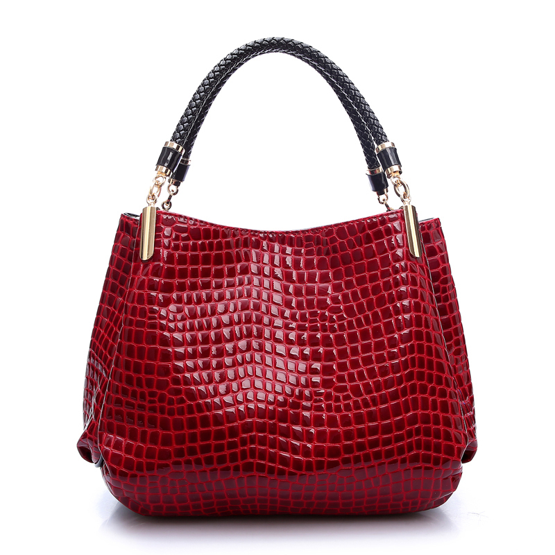 79fbccb7aab5 2018 Alligator Leather Women Handbag Bolsas De Couro Fashion Famous Brands  Shoulder Bag Black Bag Ladies Bolsas Femininas Sac-in Shoulder Bags from  Luggage ...