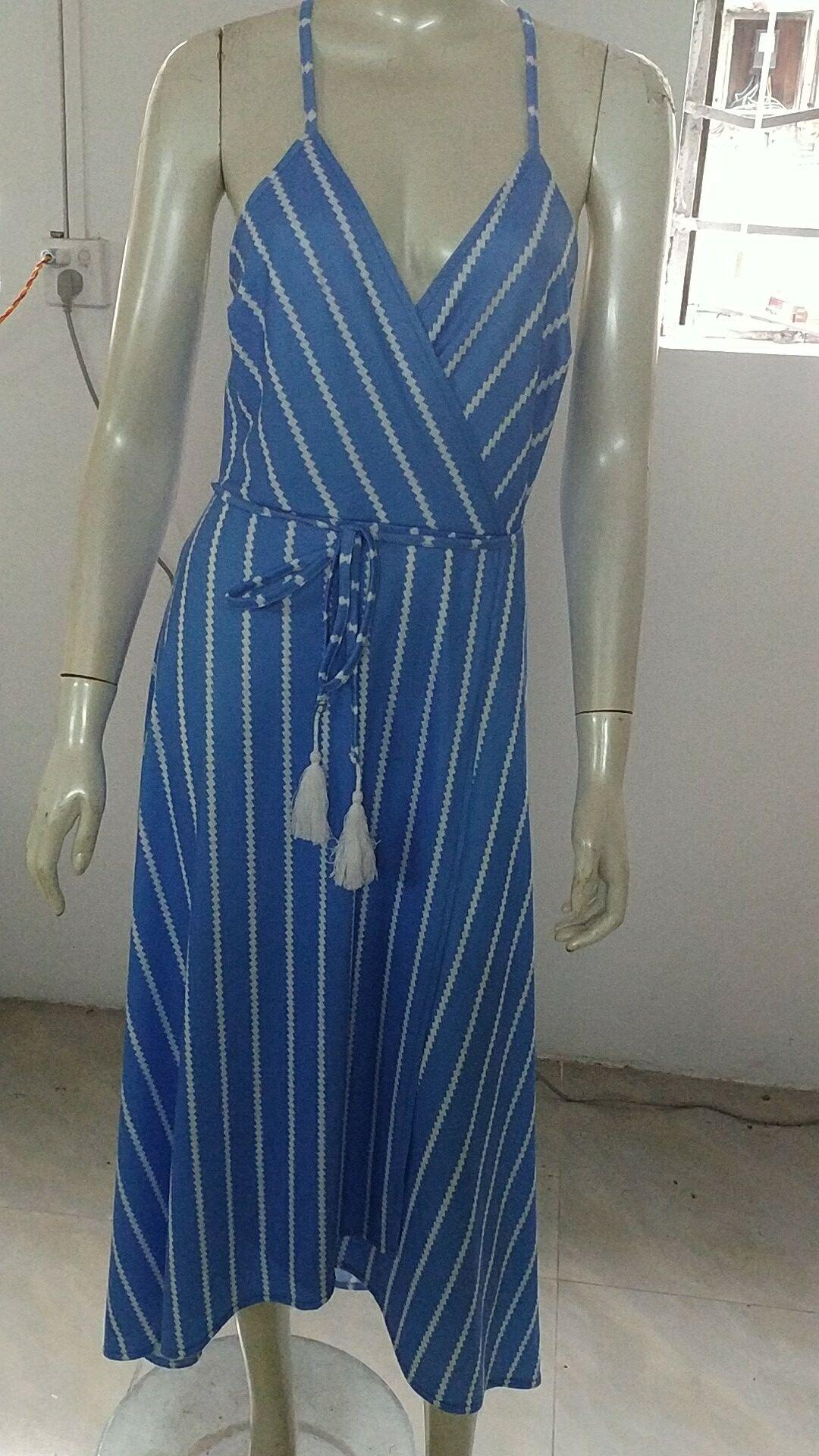 Новое Женское летнее платье Boho Maxi длинное Полосатое платье с лямкой на шее вечернее пляжное платье Сарафан нерегулярное богемное праздничное платье
