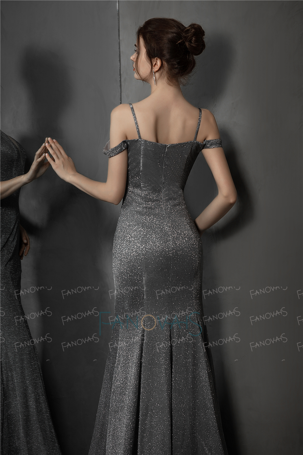 Shiny Grey Evening Dress 2019 Off the Shoulder Mermaid Evening Gown Glitter Formal Prom Party Gown Robe de Soiree NE75 in Evening Dresses from Weddings Events