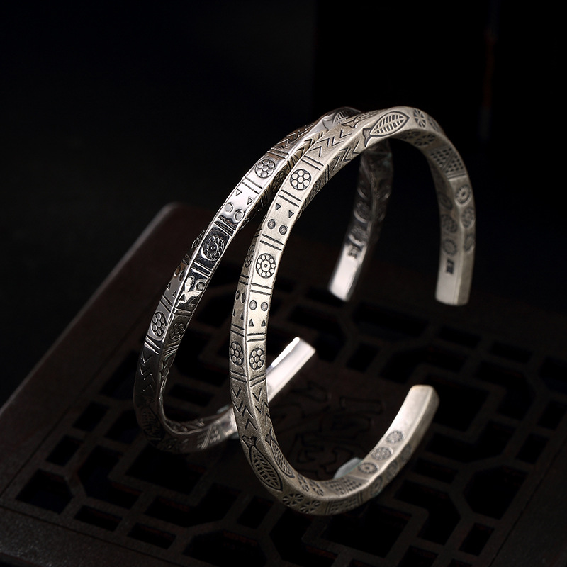 Armbanden Voor Vrouwen S990, argent pur, Antique, ancien motif, carré torsadé, tour carrée et femmes, Bracelet en gros.
