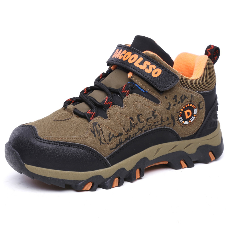 2018 printemps et automne enfants chaussures chaudes chaussures de sport garçons étudiant course Sneaker escalade chaussures de montagne livraison gratuite