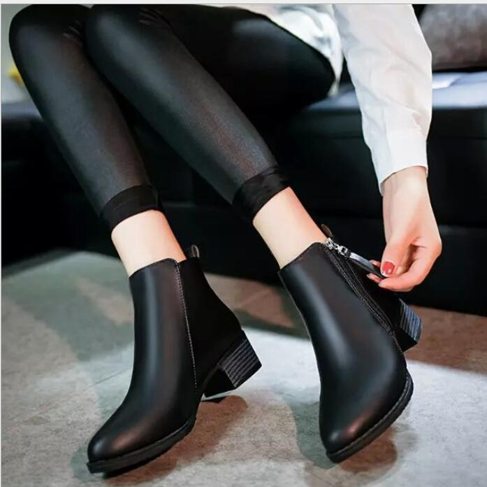 2019 New Autumn Winter Women Boots Suede Female Side Zipper Martin Boots Vintage Fashion Ankle Boots zapatos mujer