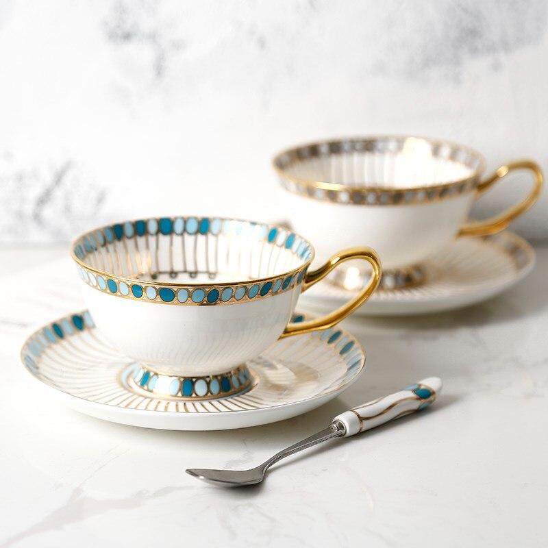 Acheter Sapphire Fine Porcelaine Tasse À Café et Soucoupe Ensemble Céramique Anglaise Après Midi Thé Noir Thé Tasse Boîte Cadeau Livraison Gratuite de Tasses et Soucoupes fiable fournisseurs