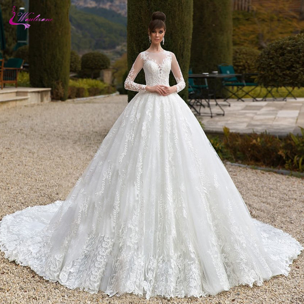 Waulizane Cap Sleeve Ball Gown Wedding Dress Princess Waistline With Delicated Appliques Wedding Gown
