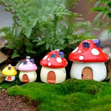 4Pcs/Set Mushroom Resin Small House Creative Crafts Miniature Gardening Landscape Plant Pot Fairy DIY Ornament