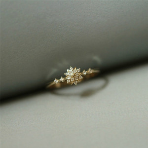 ROMAD Cute Women's Snowflake Rings Female Chic Dainty Rings Party Delicate Rings Wedding Jewelry 3 Colors Size 5-11 R4(China)