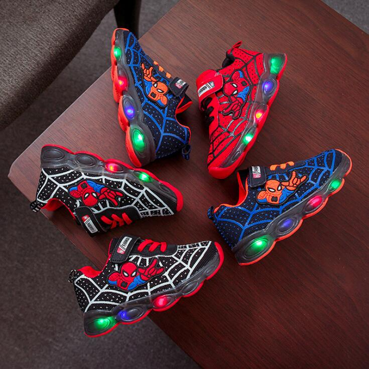 Cartoon SpiderMan Kids Shoes Luminous Glowing Led Children Shoes Lighted Led Baby Kids Sneakers Mesh Sport Shoes EU 21-30Cartoon SpiderMan Kids Shoes Luminous Glowing Led Children Shoes Lighted Led Baby Kids Sneakers Mesh Sport Shoes EU 21-30