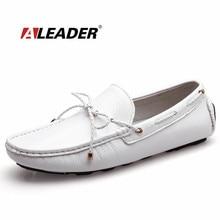 Люди Вскользь Мокасины Обувь Новый 2017 Осень мужская Лакированной Кожи Обувь для Вождения Мокасин Классические Квартиры Черный Белый Мокасины Лодка