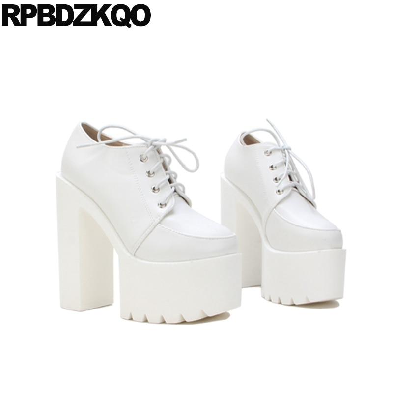 2017 Fetish Noir Cheville Dames Avant Casual Plate Lacent Blanc Rond Bottes Étrange forme Chinois blanc Automne Chaussures Chaussons De Bout Mode Chunky p7wq7Rt
