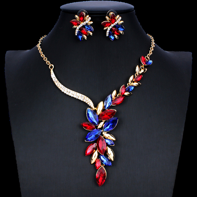 Women's Zinc Alloy and Crystal Necklace and Earrings Set