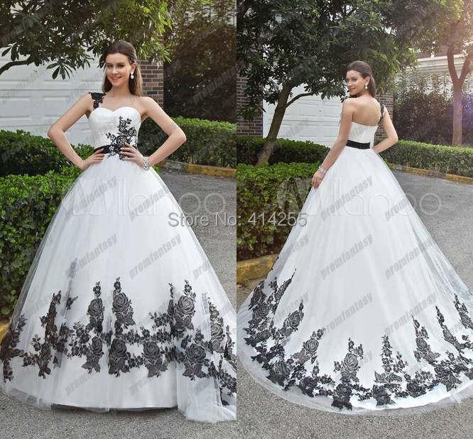Black Halloween Wedding Dresses: 2014 Fall Winter Vintage Classic Black And White Lace
